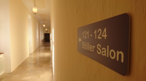 Stiller Salon
